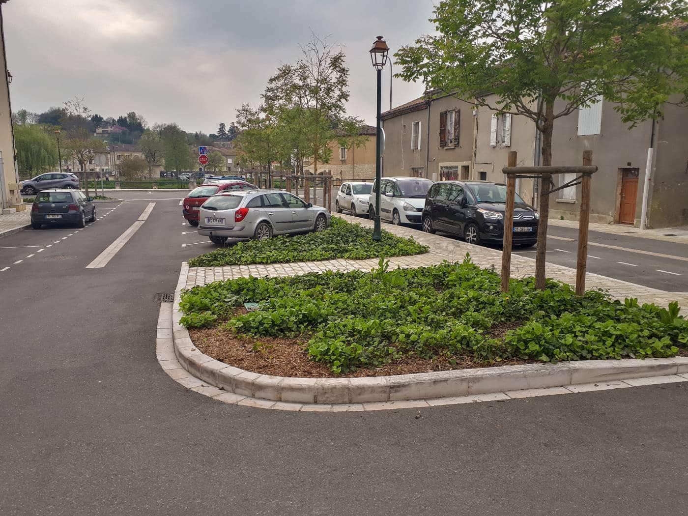 Vue d'ensemble du parking de la Communauté de Communes
