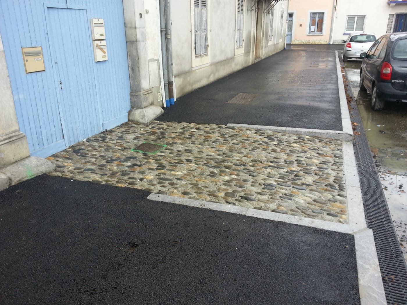 Place : trottoir et seuil