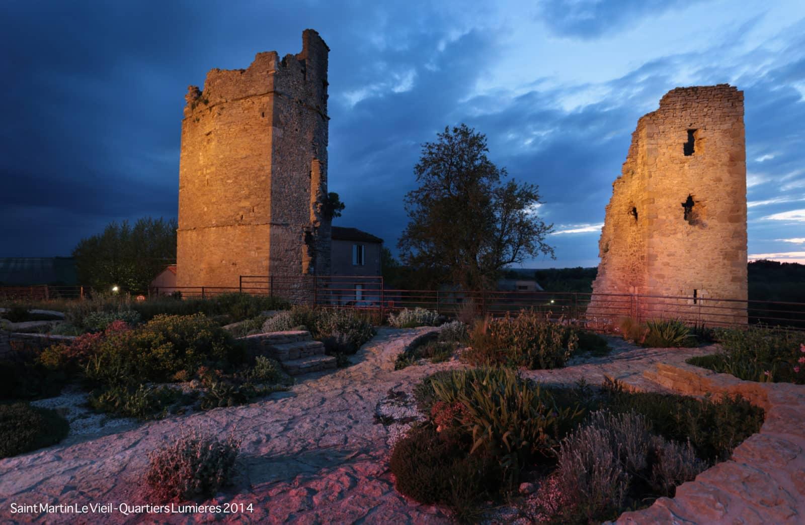 Ambiance de nuit : vue sur les tours