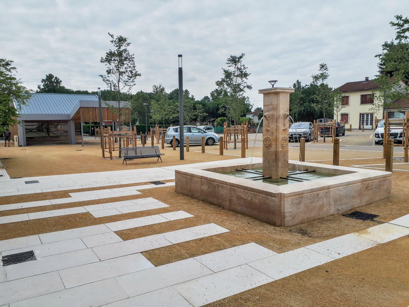 La fontaine de la Place de la Fontaine!